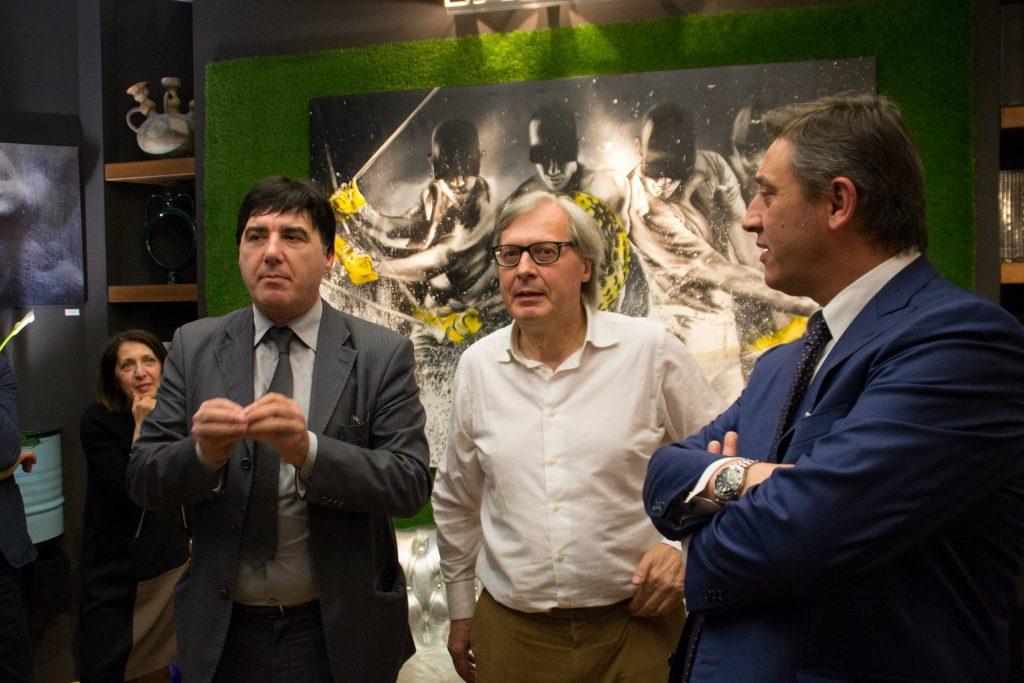 Sgarbi all'inaugurazione di Nowart a Bergamo